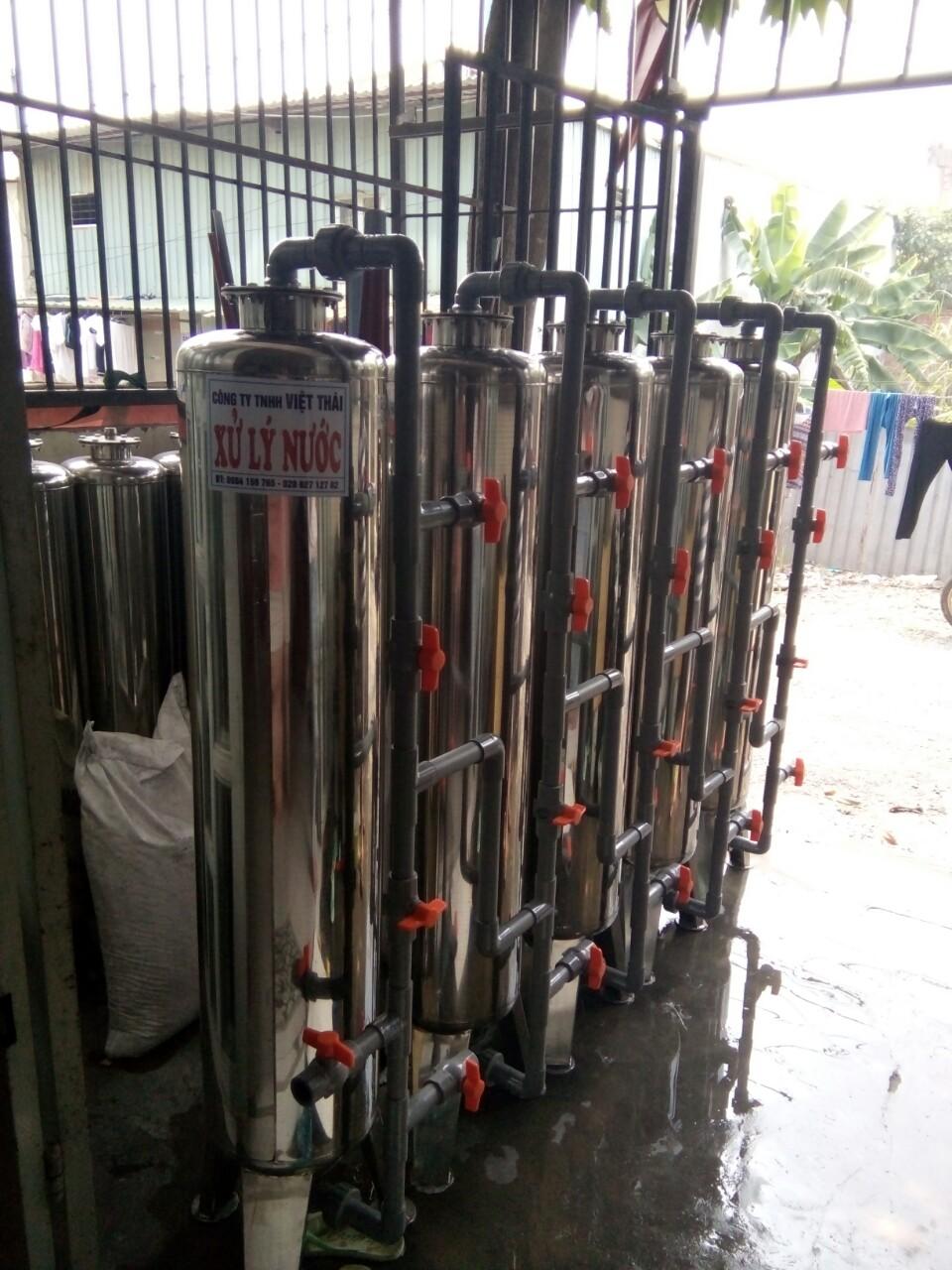 Hệ thống lọc nước nhiễm vôi với 5 cột lọc inox 304 cho sinh hoạt toàn thể gia đình.